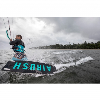 2018-Airush-Apex-TEAM-Kiteboard_119948C.jpg