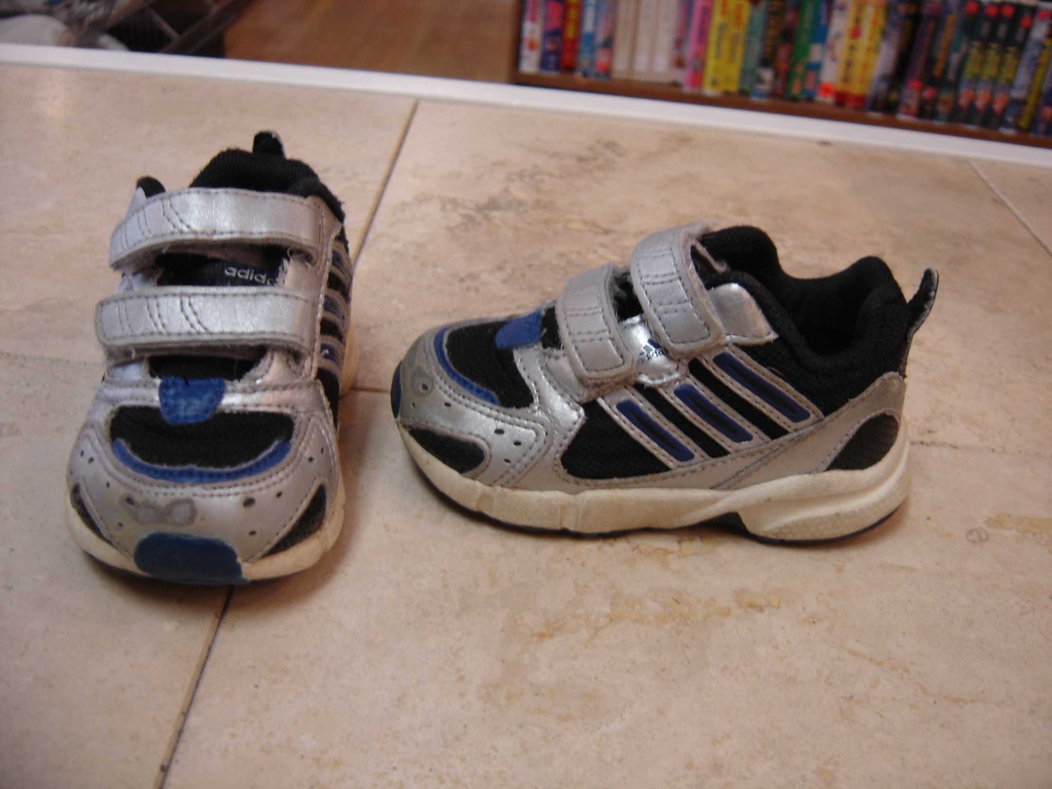 Adidas Size Infant Toddler 5 Grey Black and Blue Sneakers w Velcro