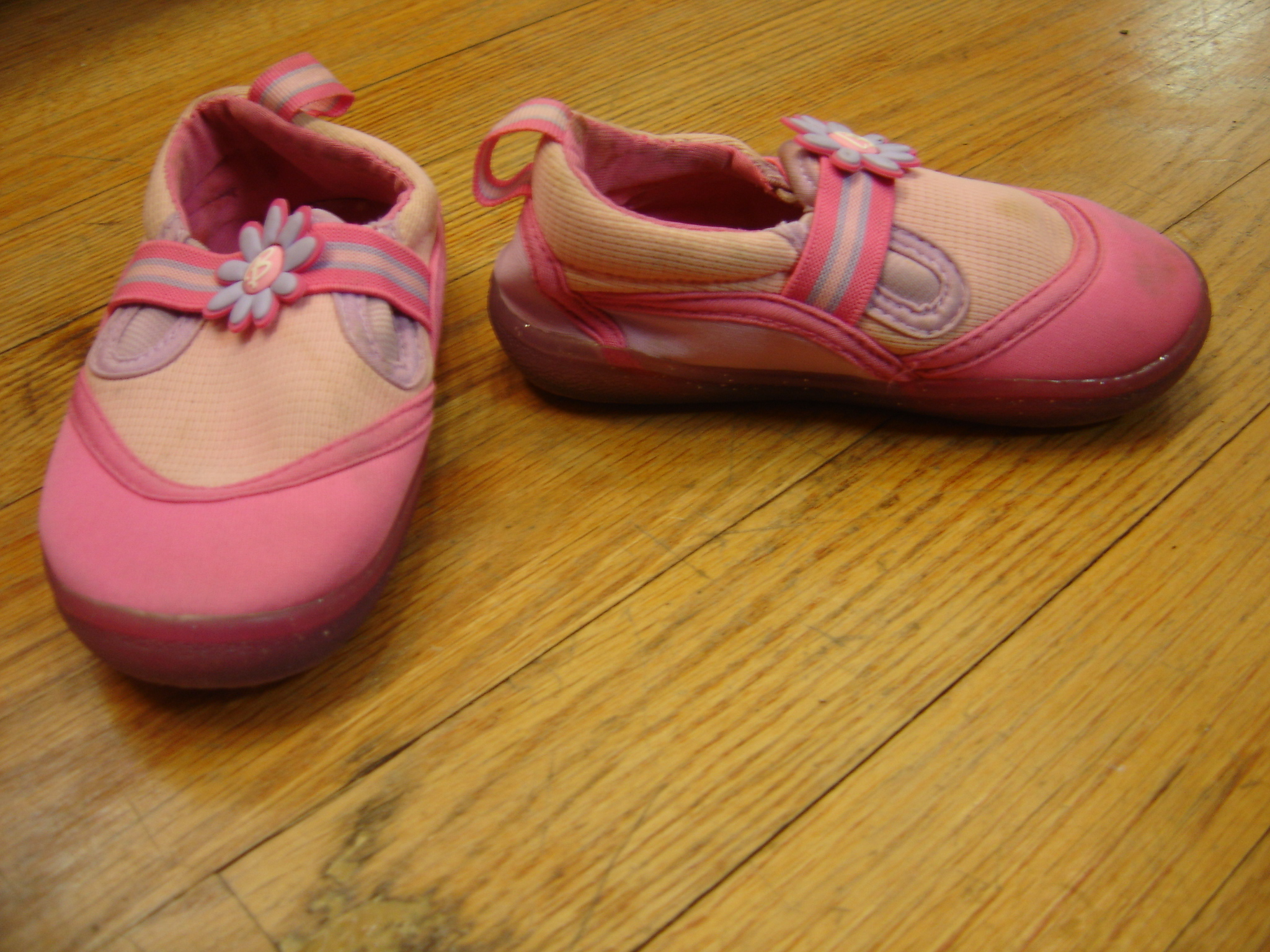 Buster Brown & Co Barbie Toddler Girls Size 7 Pink and Purple Water