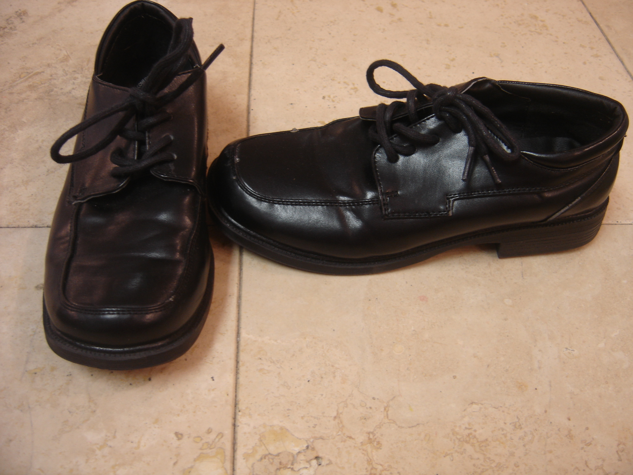 Cherokee Youth Boys Size 3 Black Laced Dress Formal Shoes