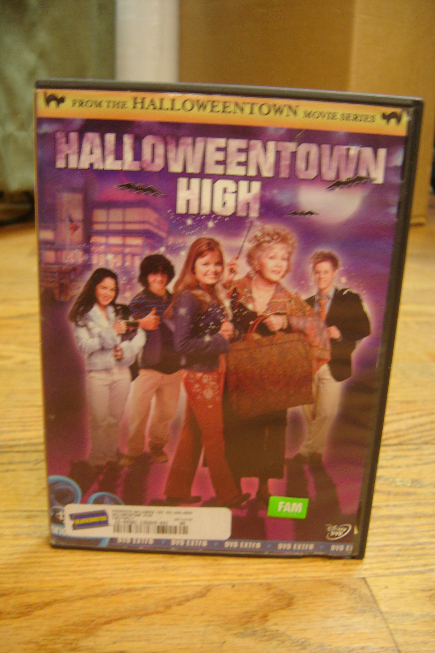 Disneys-Halloweentown-High-DVD_189609A.jpg