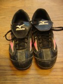 Mizuno-Womens-Size-5-Black-and-Pink-Cleats---Baseball_172666A.jpg