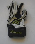 Mizuno-Youth-Left-Batting-Glove-Black-White-Size-Small-USED_157858A.jpg
