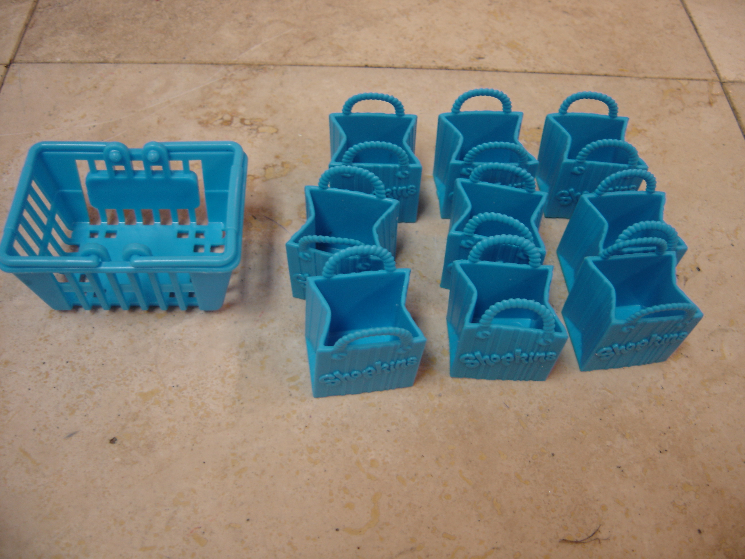 Moose Toys Shopkins Set Of Blue 9 Bags 1 Shopping Basket Pretend