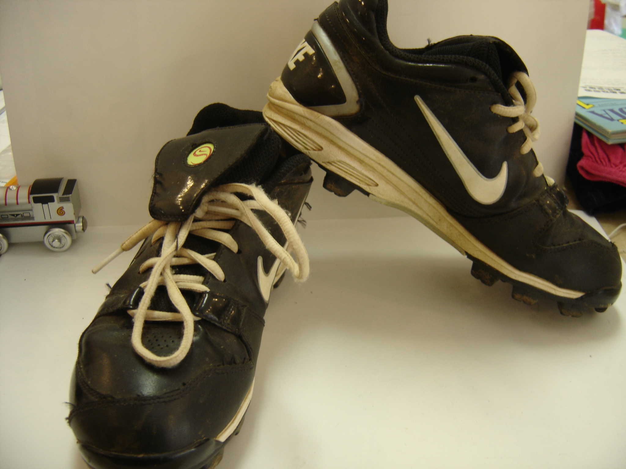 latest nike cross training shoes kids nike baseball shoes