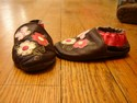 Robeez-Size-Infant-0-Brown-with-Pink-Flowers-Slip-On-Leather-Shoes_174493B.jpg