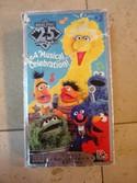 Sesame-Street-25-Wonderful-Years-A-Musical-Celebration-VHS-Tape_162600A.jpg