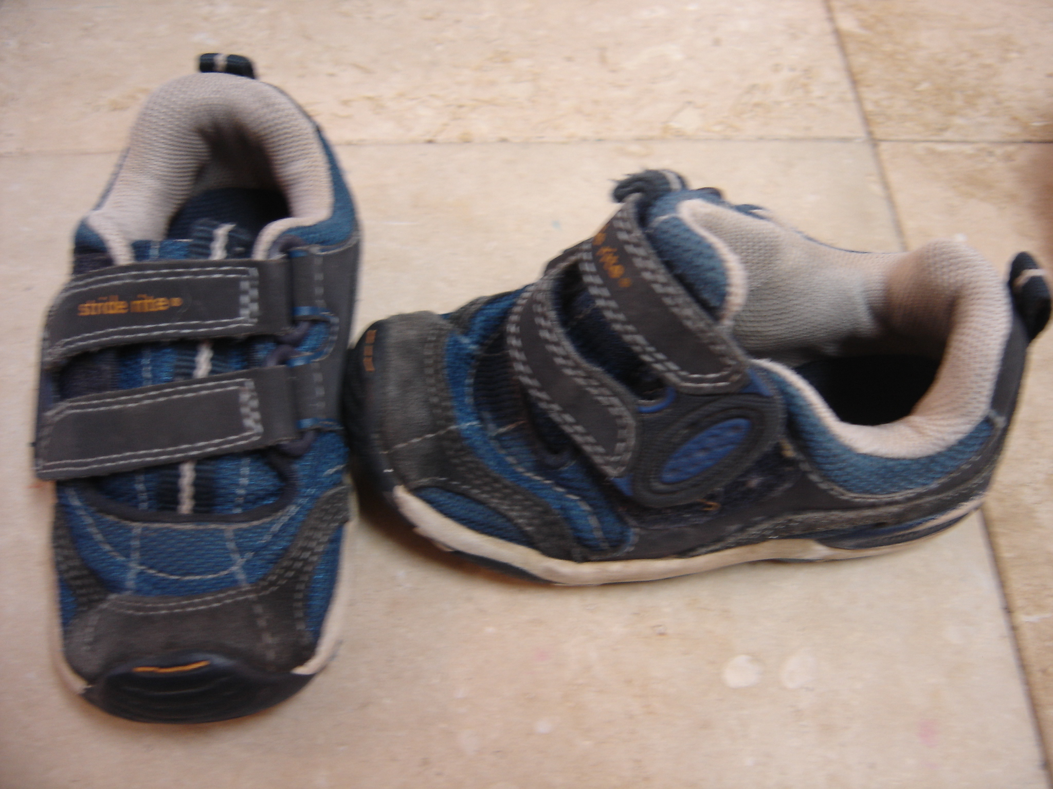 Stride Rite Size Kids 6 7 Blue Aplix Close Shoes