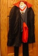 Vampire-Size-Small-6-Costume-Includes-Shirt-Pants-and-Cape_175949A.jpg
