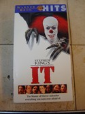 Warner-Bros.-Stephen-Kings-It-Feature-Non-Animated-VHS-Video-Tape_162451A.jpg