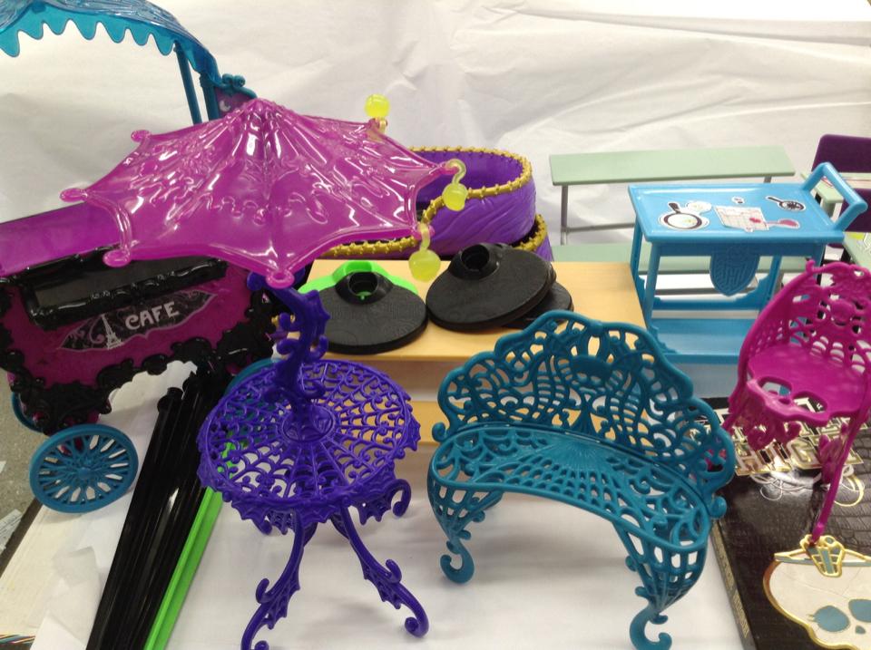 Monster High Doll Furniture Cafe Bistro Science Lab  ...