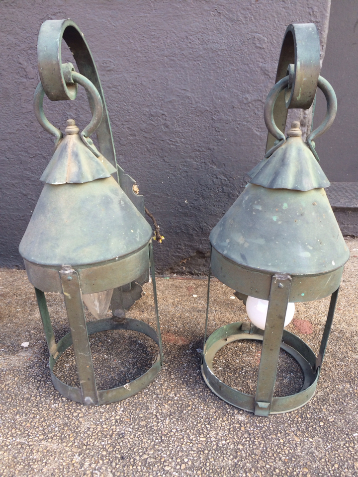 Annesdale-Mansion-Carriage-House-Lantern_4372A.jpg