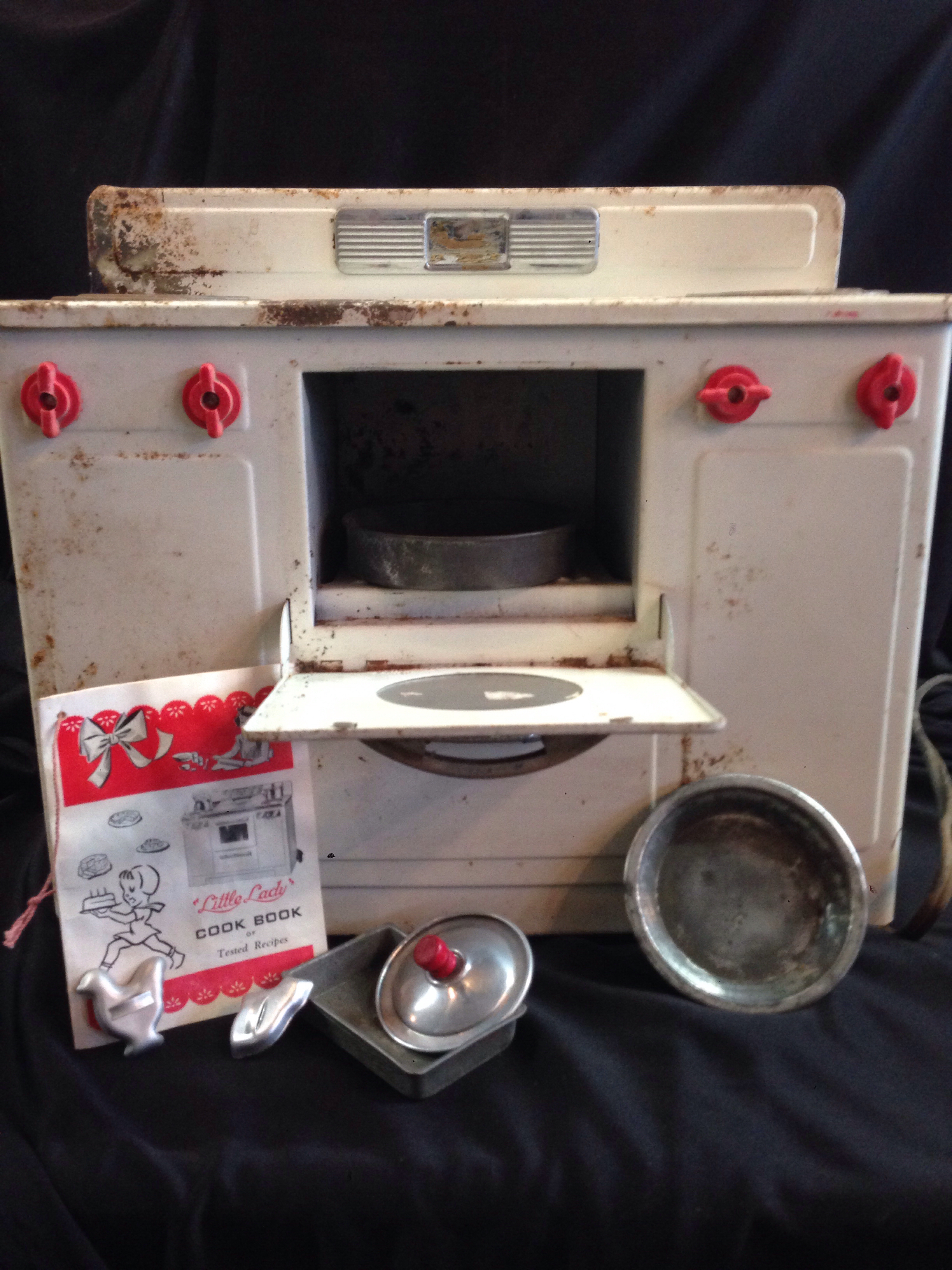 Little-Lady-Play-Stove_4916A.jpg