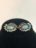 Florenza-Silvertone-Molded-Blue-Aurora-Borealis-Parure-Necklace-Bracelet-Earring_32116B.jpg