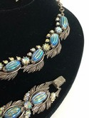 Florenza-Silvertone-Molded-Blue-Aurora-Borealis-Parure-Necklace-Bracelet-Earring_32116E.jpg