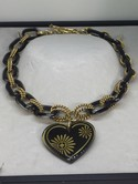 GORGEOUS-JUICY-COUTURE-GOLD-LUCITE-CHAIN-LINK-HEART-PENDANT-NECKLACE_30640F.jpg