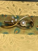 Vintage-14k-Yellow-Gold-Pearl--Diamond-Ribbon-Brooch-Pin_36241B.jpg