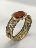 Vintage-Gold-tone-Filigree-Goldstone-Hinged-Bangle-Bracelet-6-34_35993D.jpg