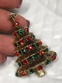 Vintage-Hollycraft-Goldtone-Multi-Color-Rhinestone-Christmas-Tree-Brooch-Pin_33518C.jpg