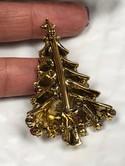 Vintage-Hollycraft-Goldtone-Multi-Color-Rhinestone-Christmas-Tree-Brooch-Pin_33518D.jpg