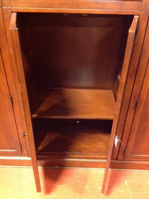 Bassett-3-Shelf-Mahogany-Tone-Bookcase-wDoors_72752B.jpg