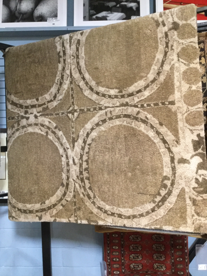 Pottery Barn 8x10 Wool Taupe Rug Hearst Tufted
