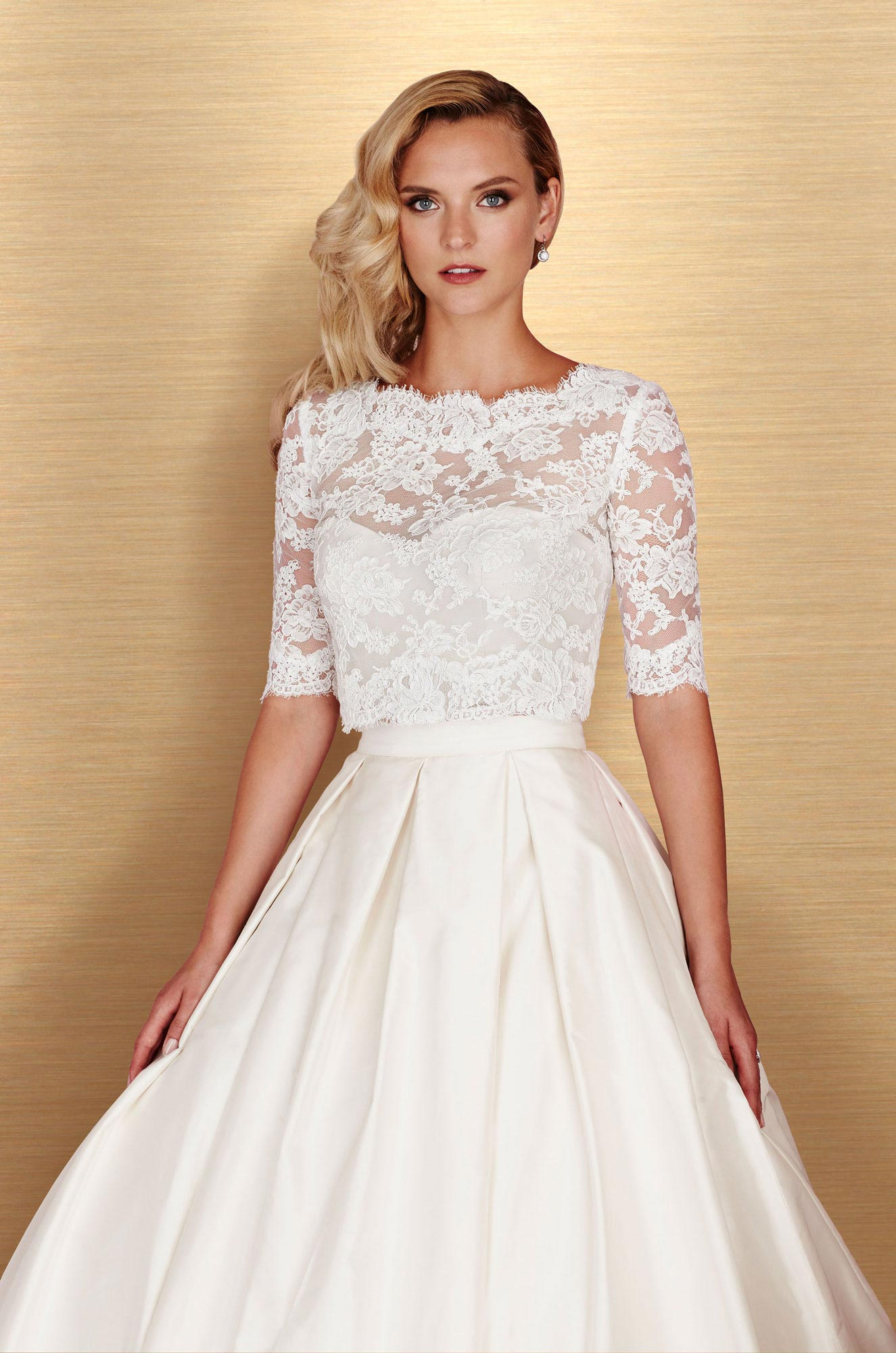 Paloma-Blanca-4667-3-Piece-Gown-Salon-Sample_6189C.jpg