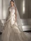 "Pronovias, ""Himno"" wedding gown."
