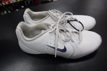 Used Nike Go! Fight Cheer Shoes Size 10
