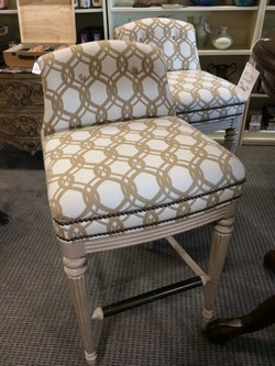 Groovy Pair Of Vanguard Bar Height Bar Stools Alphanode Cool Chair Designs And Ideas Alphanodeonline
