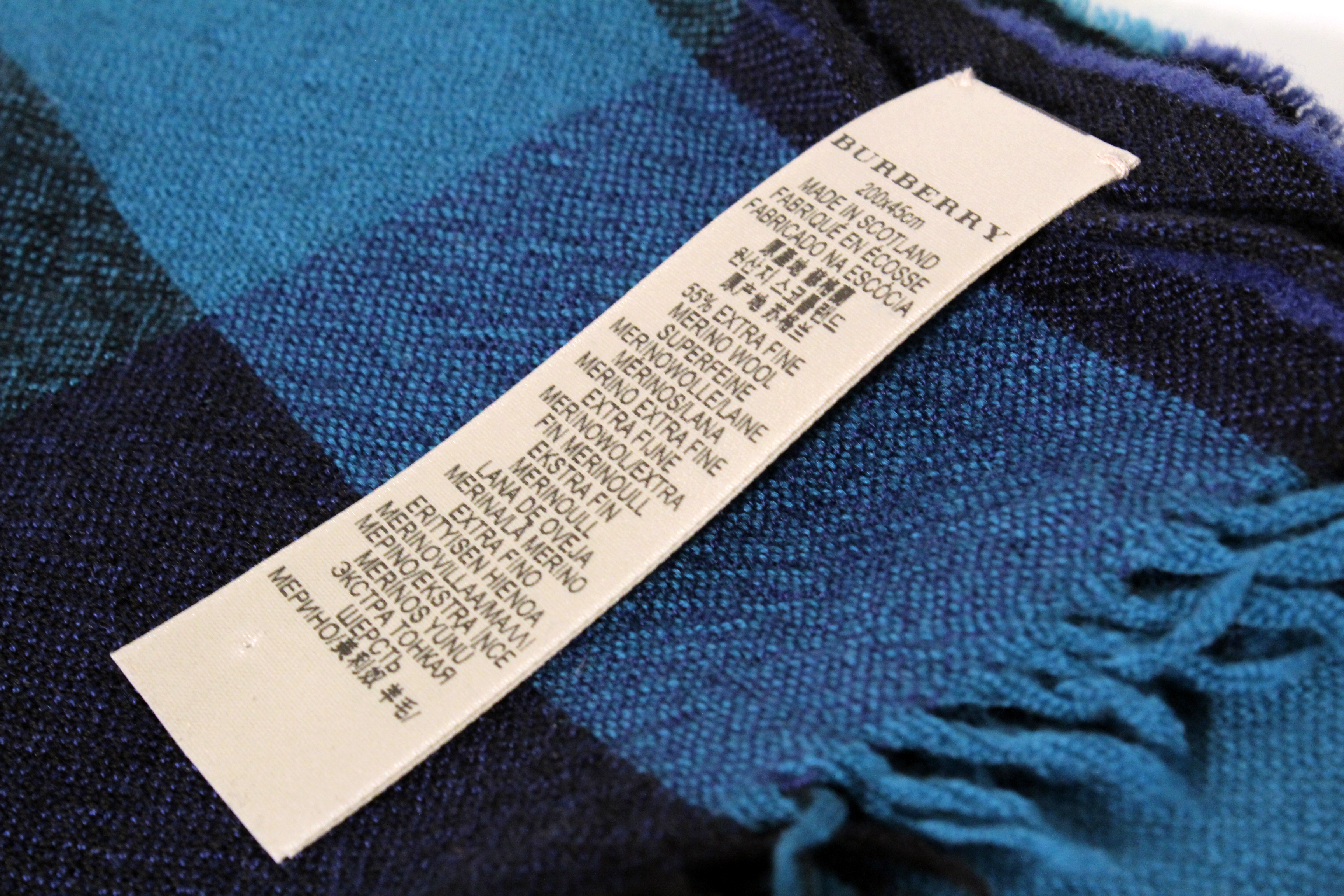 burberry scarf outlet sols  BURBERRY-Blue-Giant-Check-Cashmere-Wool-Scarf_63948Djpg