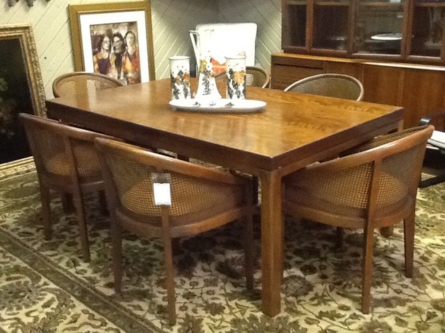 Mid Century Dining Table w/ 2 Leaves & 6 Barrel Cane Back Chairs