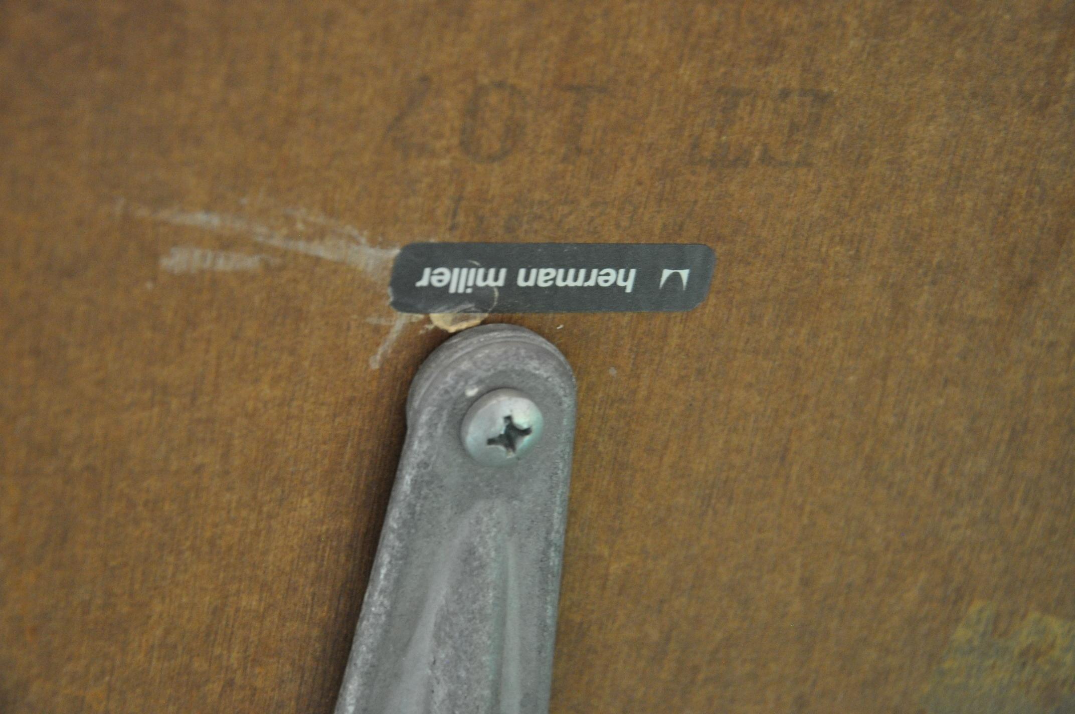 Herman-Miller-LaminateAluminum-Table_153718B.jpg