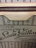 Louis-Vuitton-Brown-Canvas-Monogram--Guaranteed-Authentic-Tote_125851F.jpg