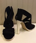 BCBG Max Azria NEW Size 8 Black Wrapped Heels Shoes