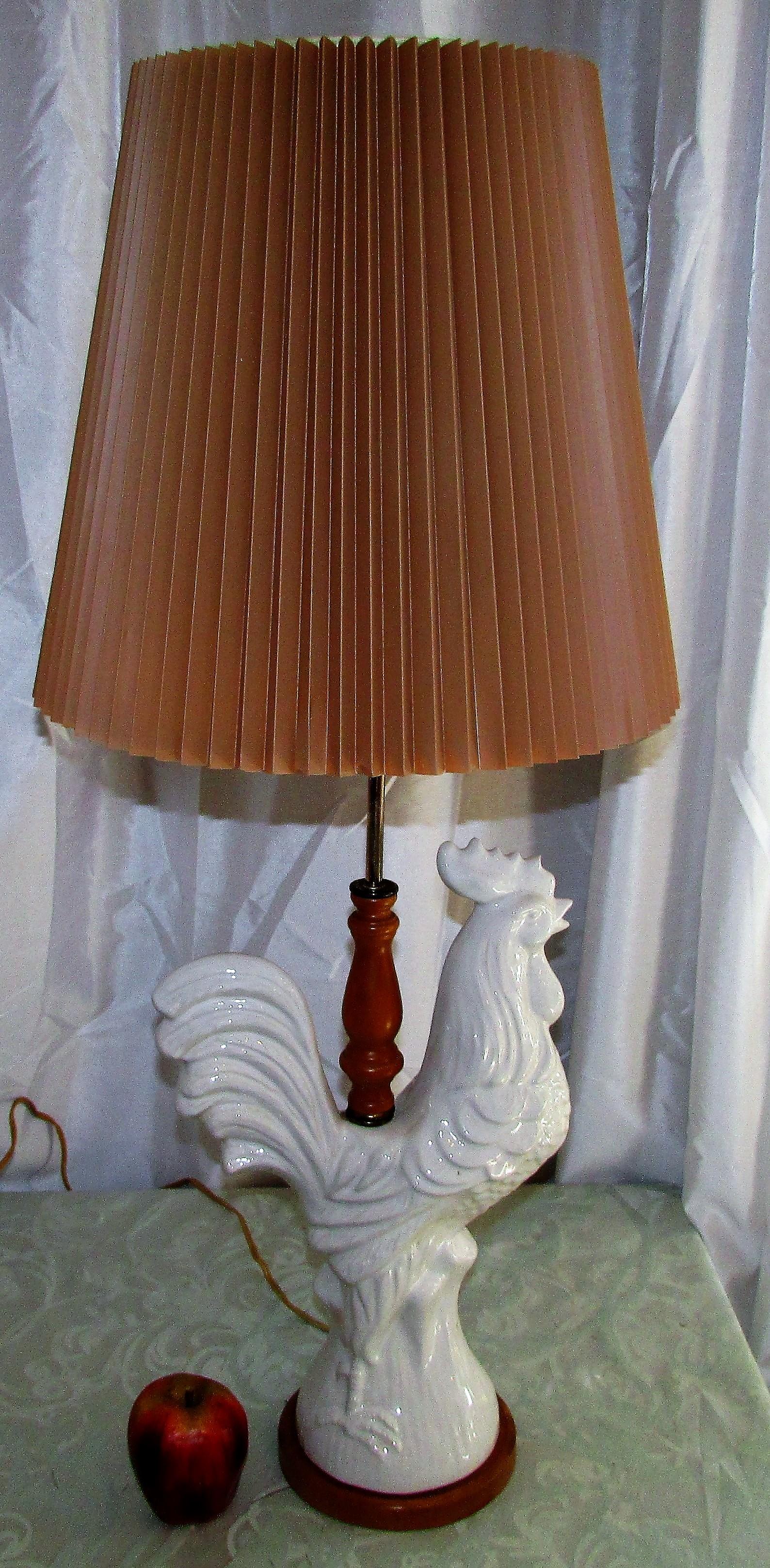 Porcelain Rooster Table Lamp With Pleated Shade_69644A ...