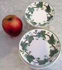 Wedgwood-Napoleon-Ivy-Berry-Dessert-Bowls---6_70537A.jpg