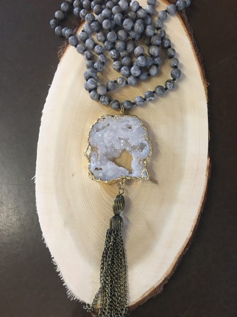 NEW-BoHo-Gal-Gray-Beaded-Necklace-White-Geode--Tassel_38788A.jpg
