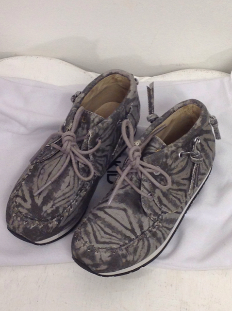 AKID-Size-12-Shoes_510879A.jpg
