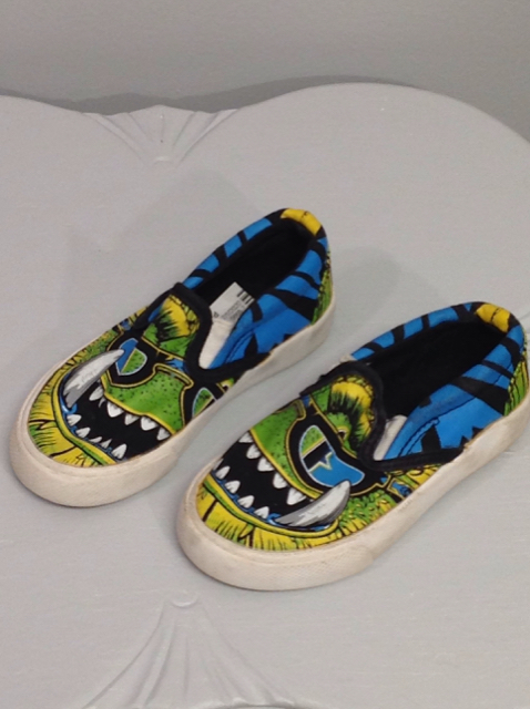 Bucketfeet-Size-7-Shoes_563151A.jpg