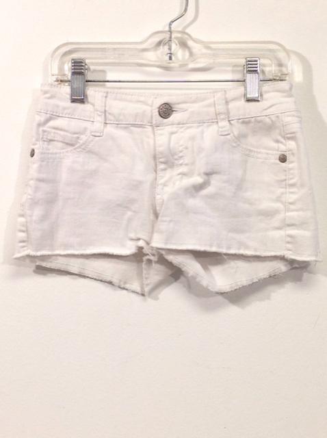 Epic-Threads-Size-7-White-Denim-Shorts_553954A.jpg