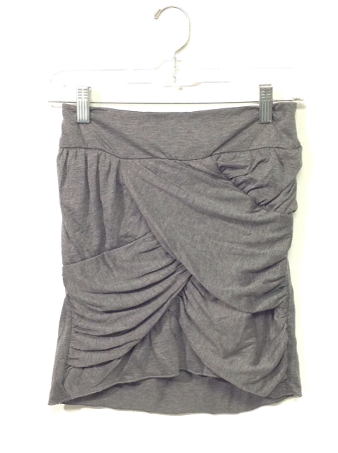 Funky-Berry-Size-14-Grey-Polyester-Skirt_485276A.jpg