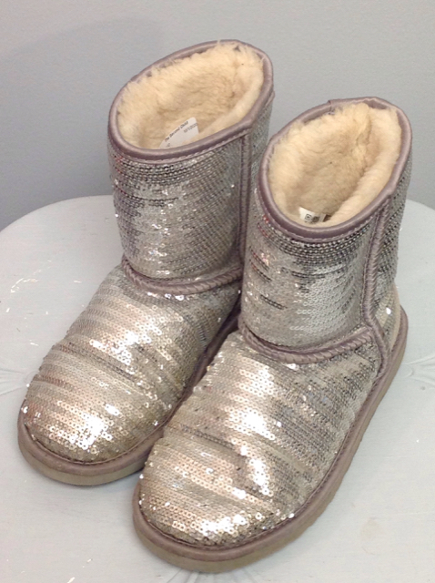 Ugg-Size-3-Boots_567984A.jpg