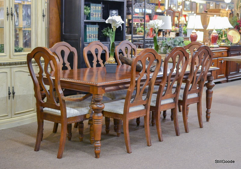 Broyhill Dining Set_141248A ...