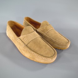 GUCCI Size 8 Beige Suede  Embossed Rubber Sole Loafers