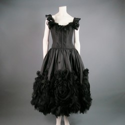 OSCAR DE LA RENTA Size 6 Black Silk off the Shoulder Ruffled Cocktail Dress