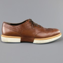 SALVATORE FERRAGAMO Size 11 Tan Solid Leather Wingtip Rubber Sole Lace Up
