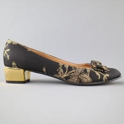 SALVATORE FERRAGAMO Size 9 Black & Gold Silk Lace Metallic Heel Bow Pumps