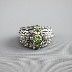 Vintage Size 7.5 Engraved Silver Sterling Silver Green Gem Stone Ring