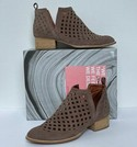 Jeffrey Campbell Size 9.5 Booties